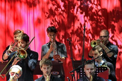 mus-jem-rideau rouge-20110702 1628 6h jazz IMG_0368